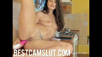 supah-sexy gal blasts in the kitchen.