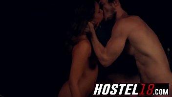 hostel18-22-8-217-p19-s1-1-liza-rowe-utter-howdy-1