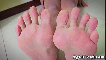feet fetish tranny curling her crimson.