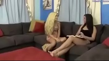 podophilia love girl-on-girl