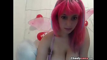 Busty butterfly not shows tits