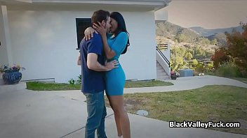 Big tit ebony almost caught on vanilla cock