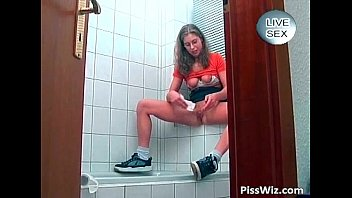 teenager lady urinate in middle of.