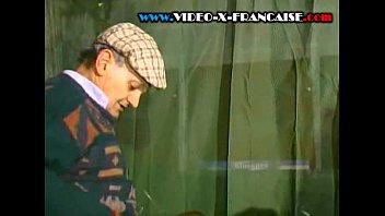 trois vieux baisent une salope