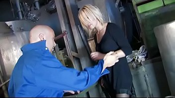 Blonde sexy girl slammed by a mechanic